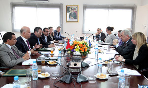 Il ministro incaricato dei marocchini residenti all'estero e degli affari migratori, Anis Birou, a colloquio a Rabat con il commissario europeo incaricato della Migrazione, degli affari interni e della cittadinanza, Dimitris Avramopoulos