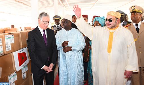 SM il Re dona 10 tonnellate di medicinali al CHU Fann di Dakar