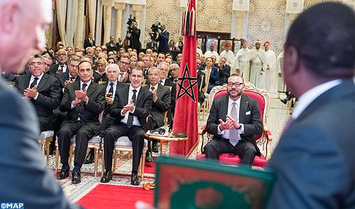 SM-le-Roi-cérémonie-de-signature-daccords-Nigéria-Maroc-M