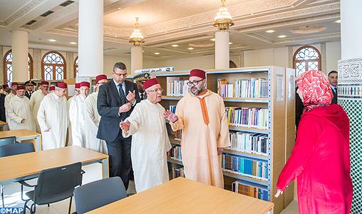 SM-le-Roi-inaugure-le-complexe-administratif-et-culturel-des-Habous-de-Casablanca-M1