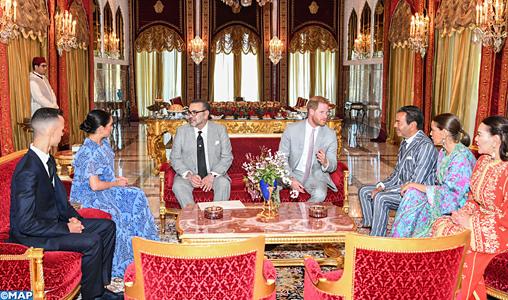 SM-le-Roi-recoit-Prince-Harry-et-son-épouse-M2