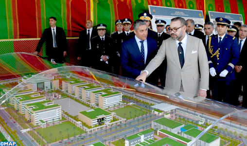 SM-le-Roi-lance-les-travaux-de-construction-du-siège-de-la-DGSN_M